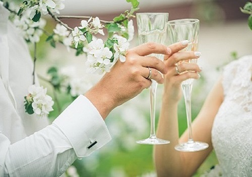 wedding-wine-glasses